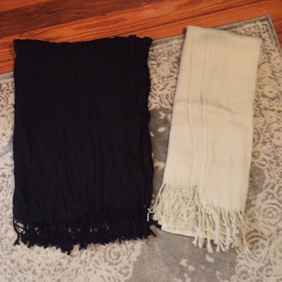 Macy's Accessories - Black and white scarves